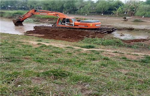 两栖挖掘机租赁临汾永和专用水上挖机承接