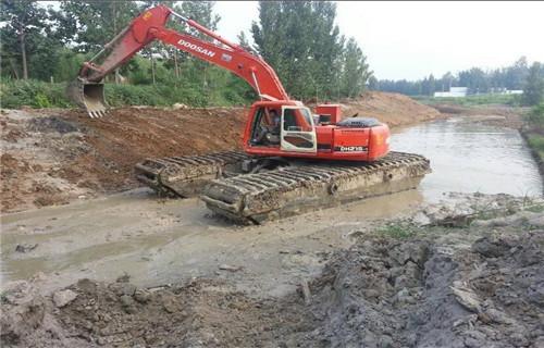 水陆两用挖掘机租赁肇庆端州专用水上挖机批发商