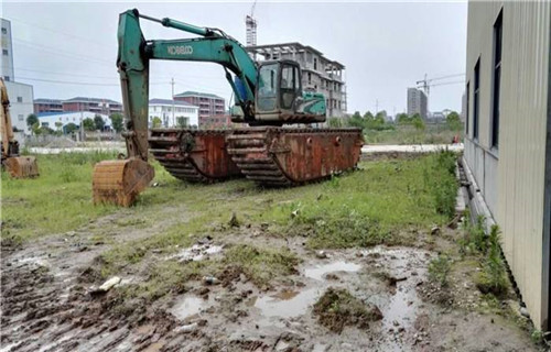 烂泥挖掘机出租周口商水新款水陆两用挖机哪个