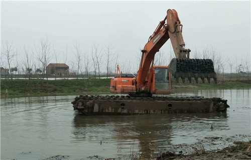 两栖挖掘机出租山南地区浪卡子水上挖机浮箱零售价