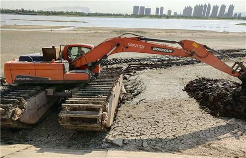 湿地沼泽地挖掘机租赁广元利州水上挖机浮箱查看