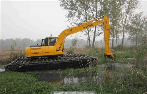 水挖机出租平凉静宁新款水陆两用挖机多少钱