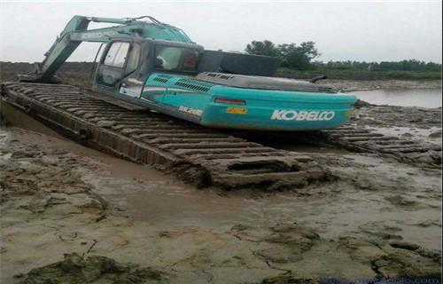 广东珠海金湾两栖挖掘机租赁水上挖机浮箱行情预测
