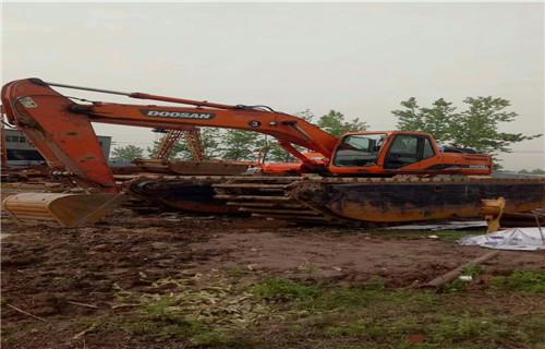 沼泽地挖掘机出租长沙宁乡新款水陆两用挖机专业厂家