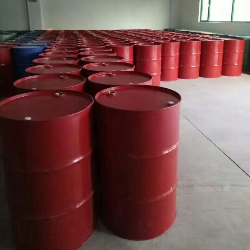 红色铁桶.jpg